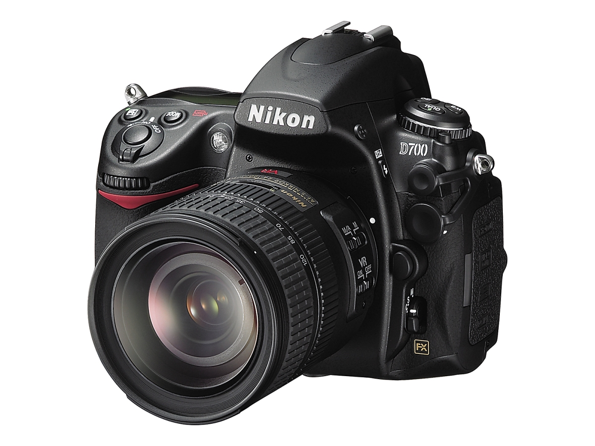 Did Nikon shoot itself in the foot with the D700?